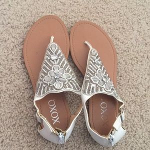 XOXO SANDALS WITH JEWELS